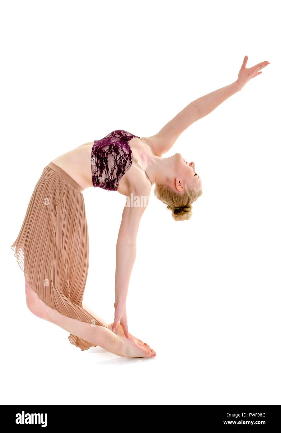 Ein leidenschaftlicher Teenage zeitgenössische Tänzerin Mitte Routine Stockbild