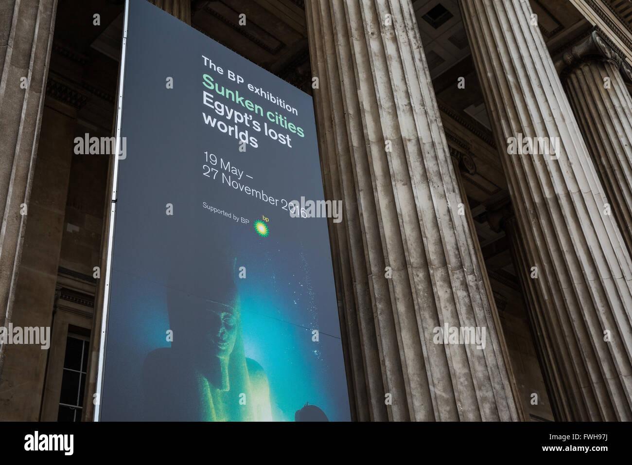 London, UK. 5. April 2016. Werbematerial für die BP-Ausstellung im British Museum. Die Zeitung The Guardian Stockbild