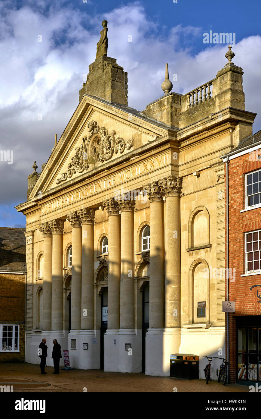 Fassade und Eingang der Burg Quay Einkaufszentrum Banbury Oxfordshire UK England Stockbild