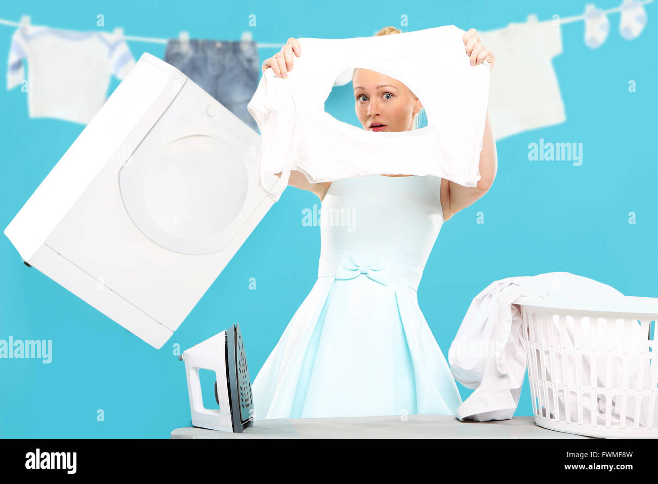 woman cleaning house funny stockfotos woman cleaning house funny bilder seite 3 alamy. Black Bedroom Furniture Sets. Home Design Ideas