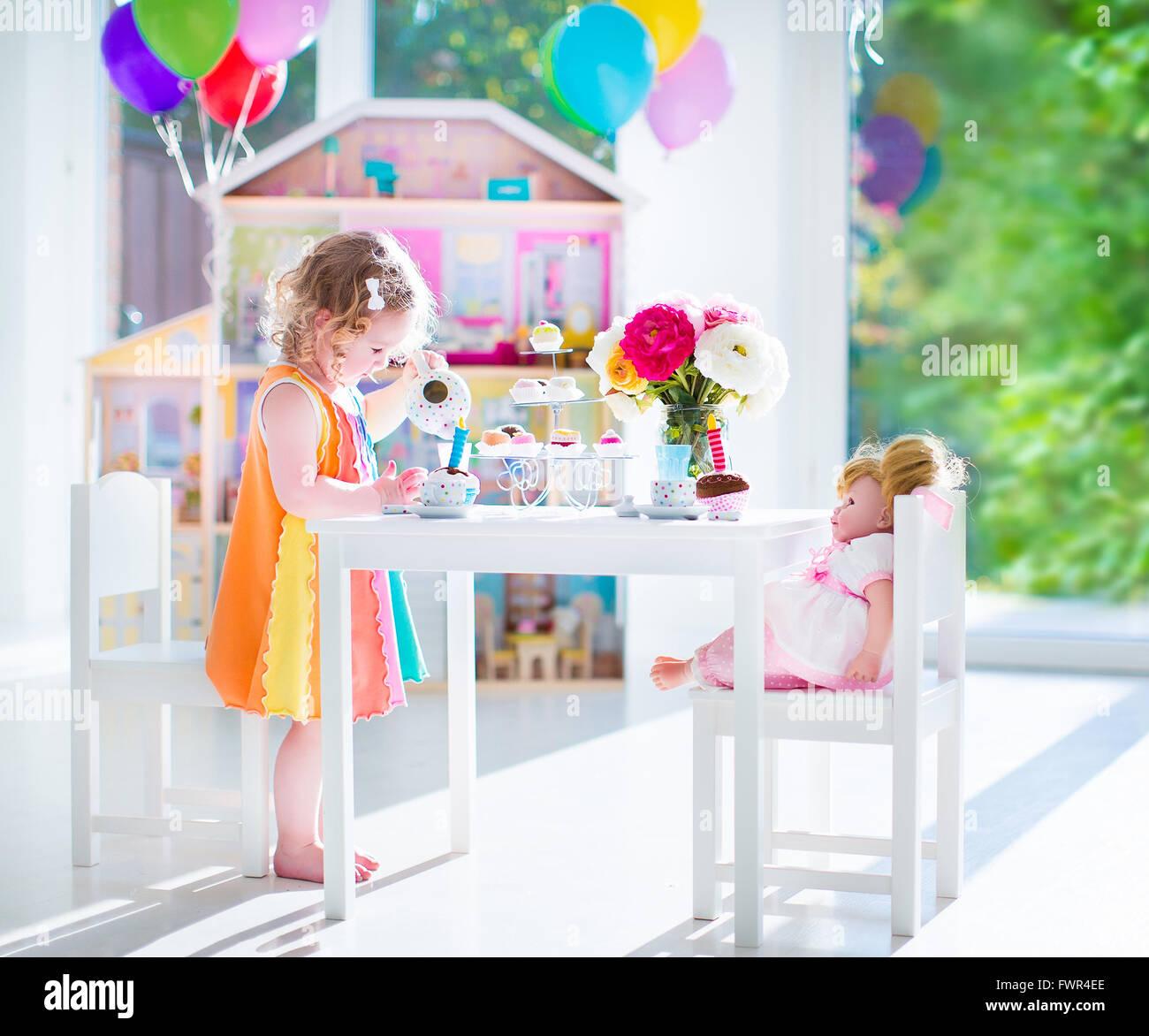 Fein Kleider Für Tee Party Bilder - Hochzeit Kleid Stile Ideen ...