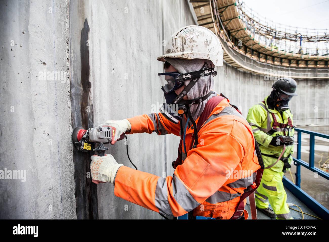 Beton am Bau von Ethan Gas Tank gießen Stockbild