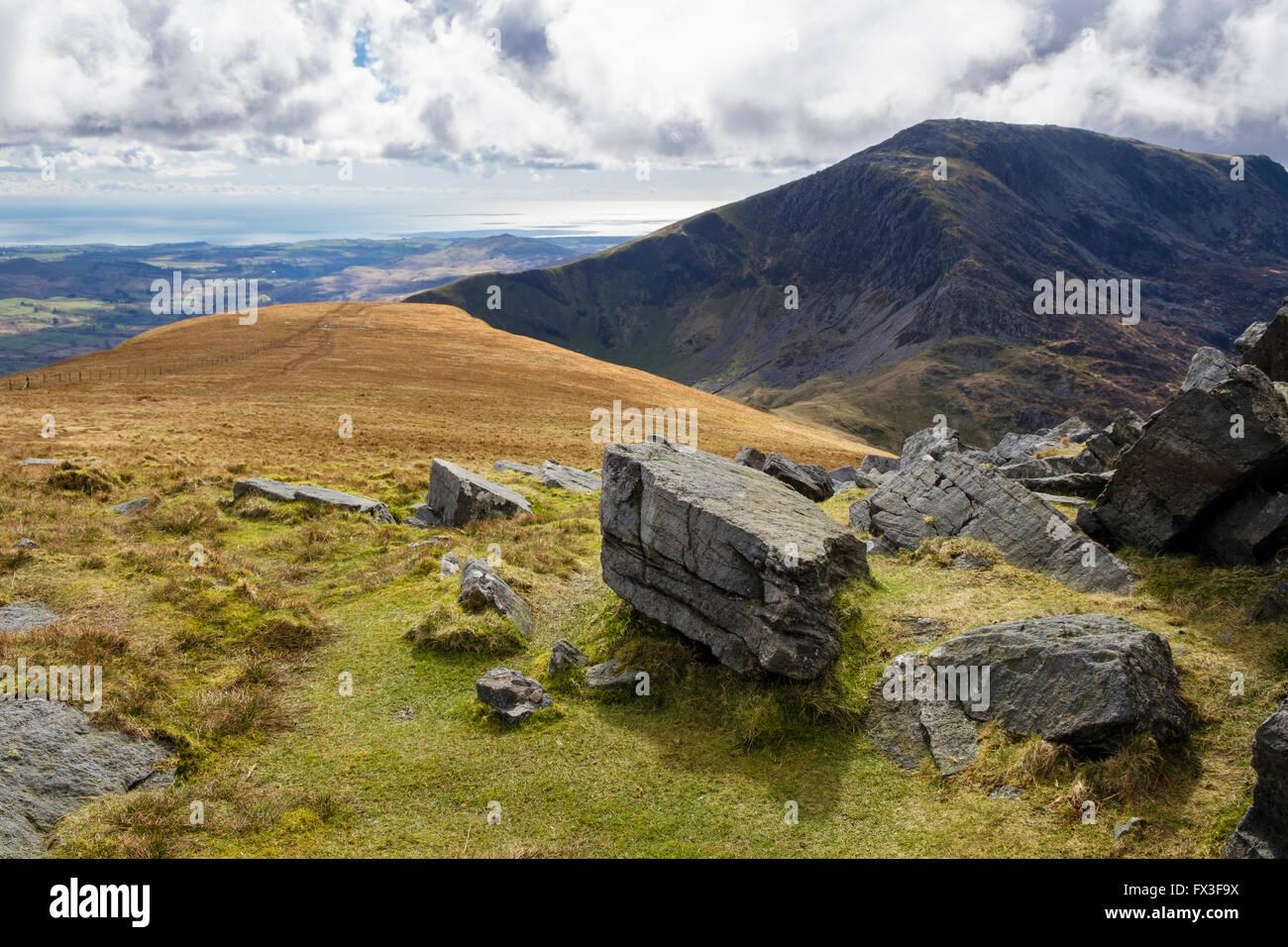 Auf der Suche nach Westen Craig Cwm Silyn und an der Küste von mynydd Tal-y-mignedd Gipfel zur Krippe Nantlle Stockbild