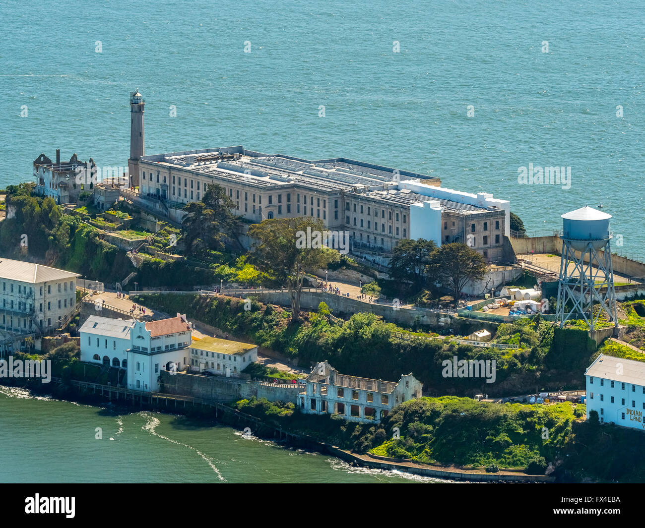 Luftaufnahme, Alcatraz, Alcatraz Island mit Leuchtturm, San Francisco, San Francisco Bay Area, Vereinigte Staaten Stockbild