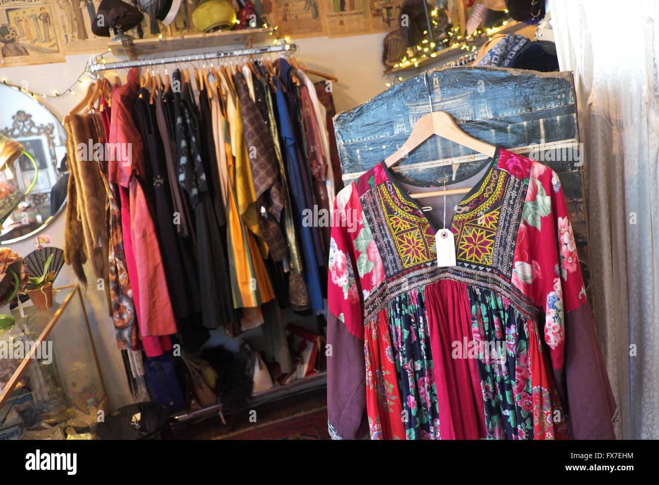 Afghan Clothing Stockfotos & Afghan Clothing Bilder - Alamy