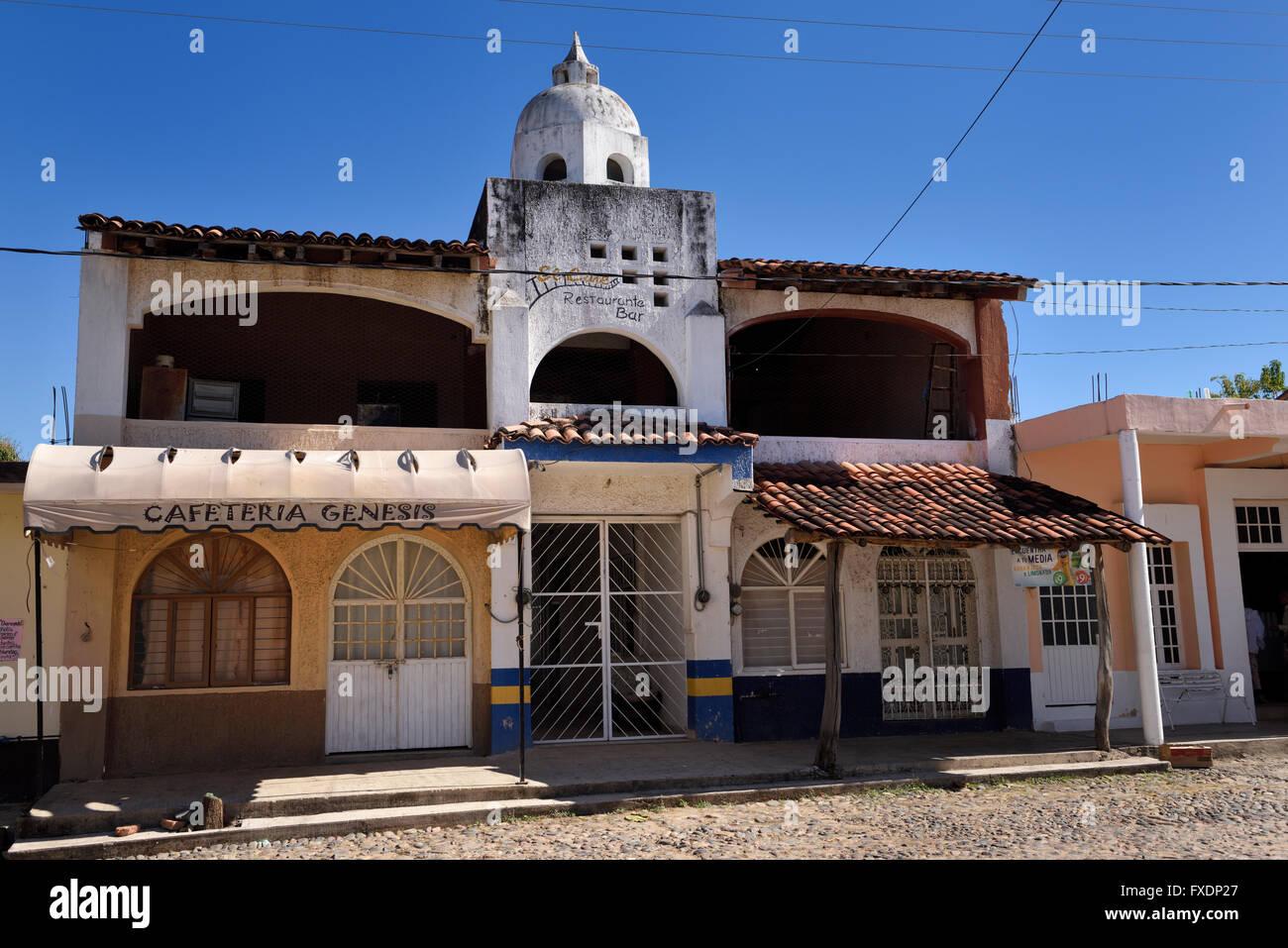 Fensterläden Restaurantbar im ländlichen Las Palmas Jalisco Mexiko Stockbild