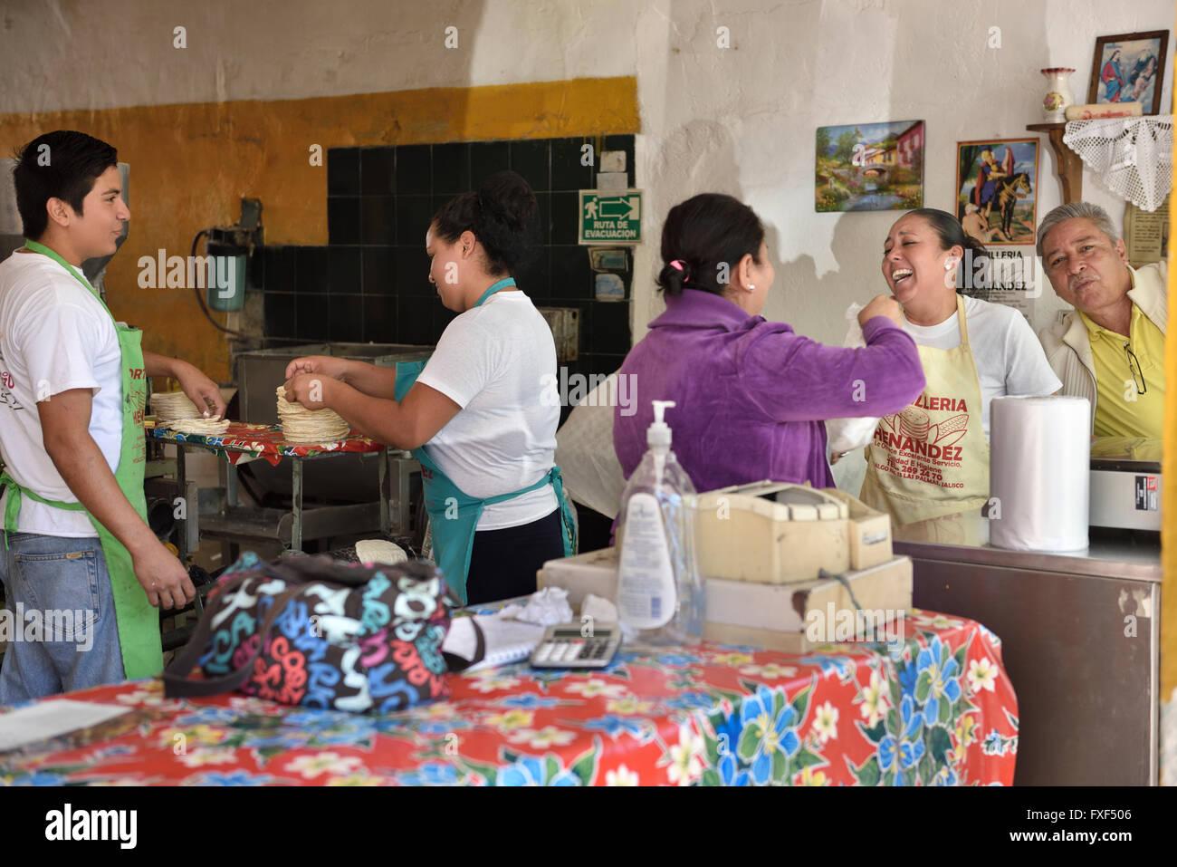Tortilleria Shop Herstellung frische Tortillas in Las Palmas Jalisco Mexiko Stockbild