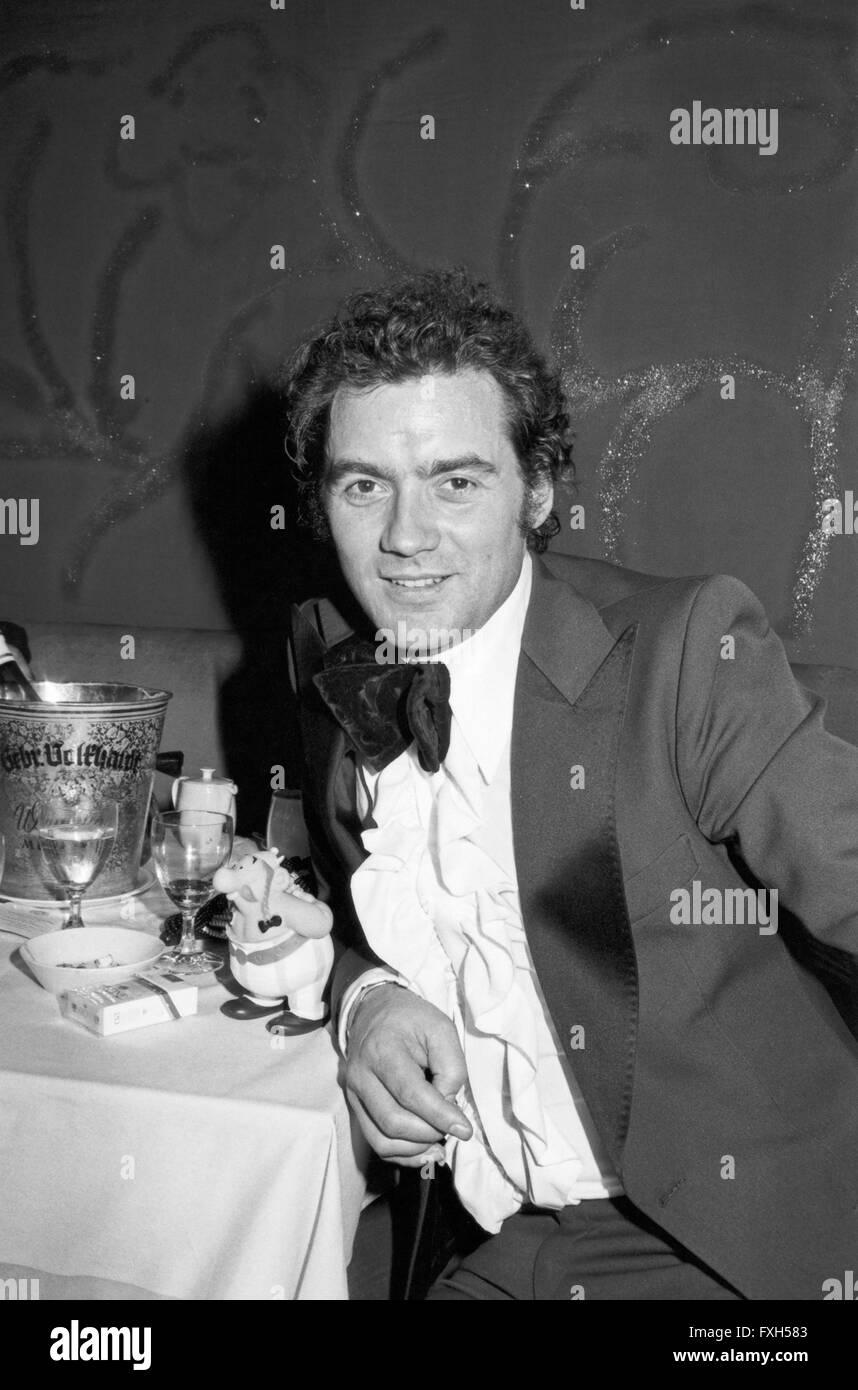 Eiskunstlaufstar Hans Jürgen Bäumler Beim SPIO Filmball in München 1976, 1970er Jahre Deutschland. Stockbild
