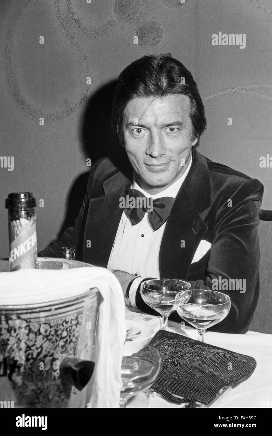 Der französischen Schauspieler Pierre Brice Beim SPIO Filmball in München 1976, 1970er Jahre Deutschland. Stockbild