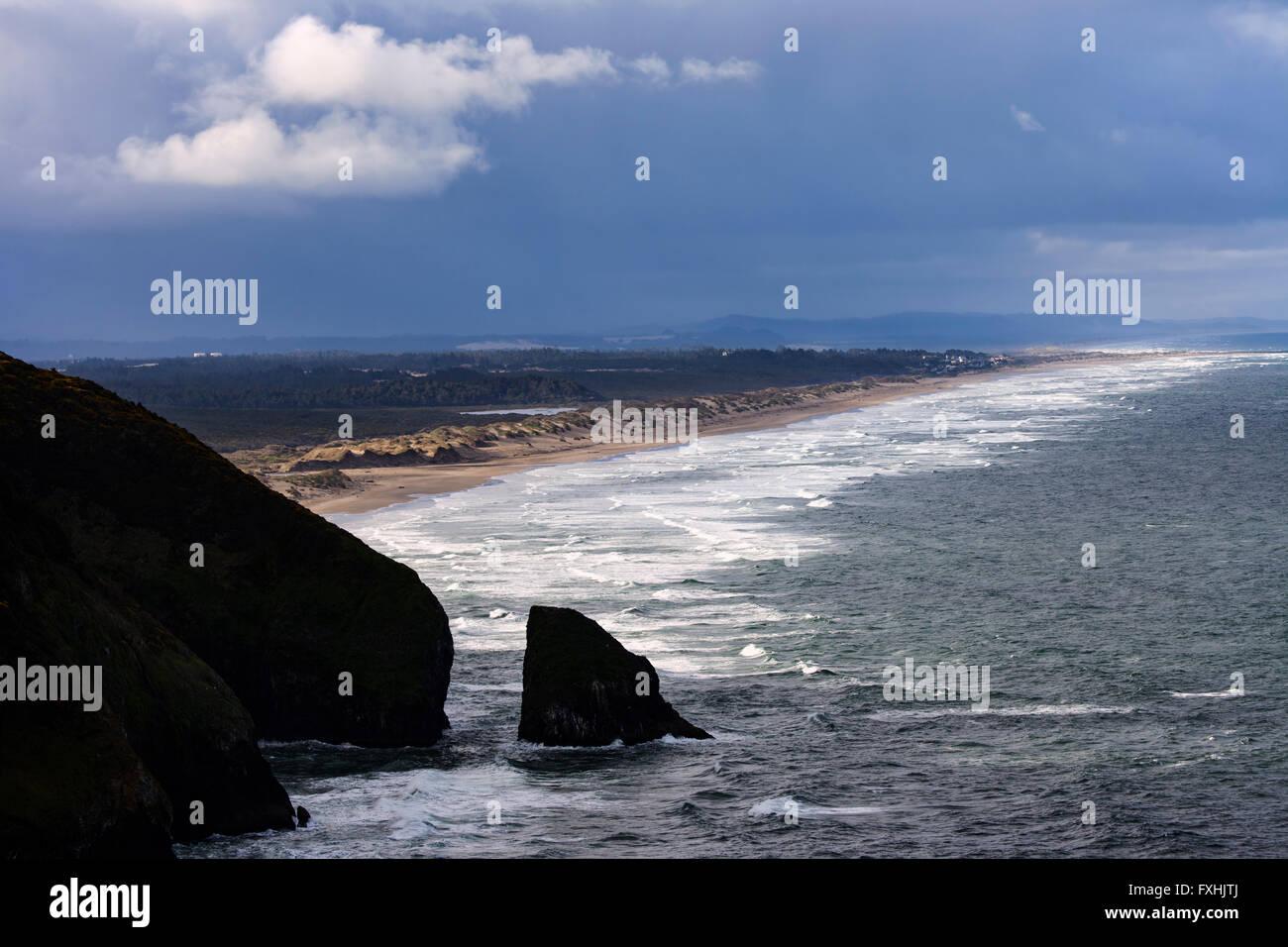 Sanddünen Treffen des Pazifischen Ozeans in der Nähe der Coastside Florenz Küste Oregons. Stockbild