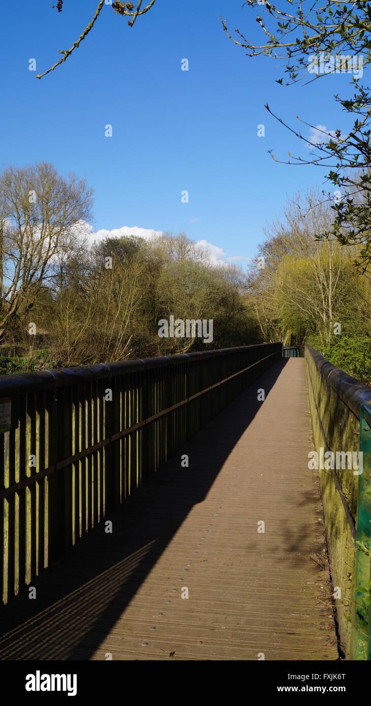 Brücke im Sonnenlicht Stockbild
