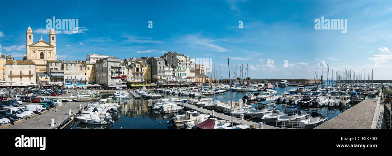 Alten Hafen mit Booten, Vieux Port, Port de Plaisance, Marina mit der Kirche Saint Jean Baptiste, Bastia, Haute Stockbild