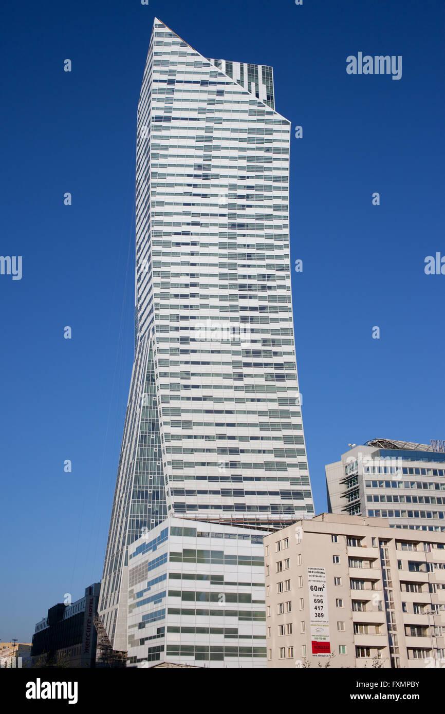 Polen, Warschau, Zlota 44 Wohn-Hochhaus von Daniel Libeskind, moderne, zeitgemäße Architektur Stockbild
