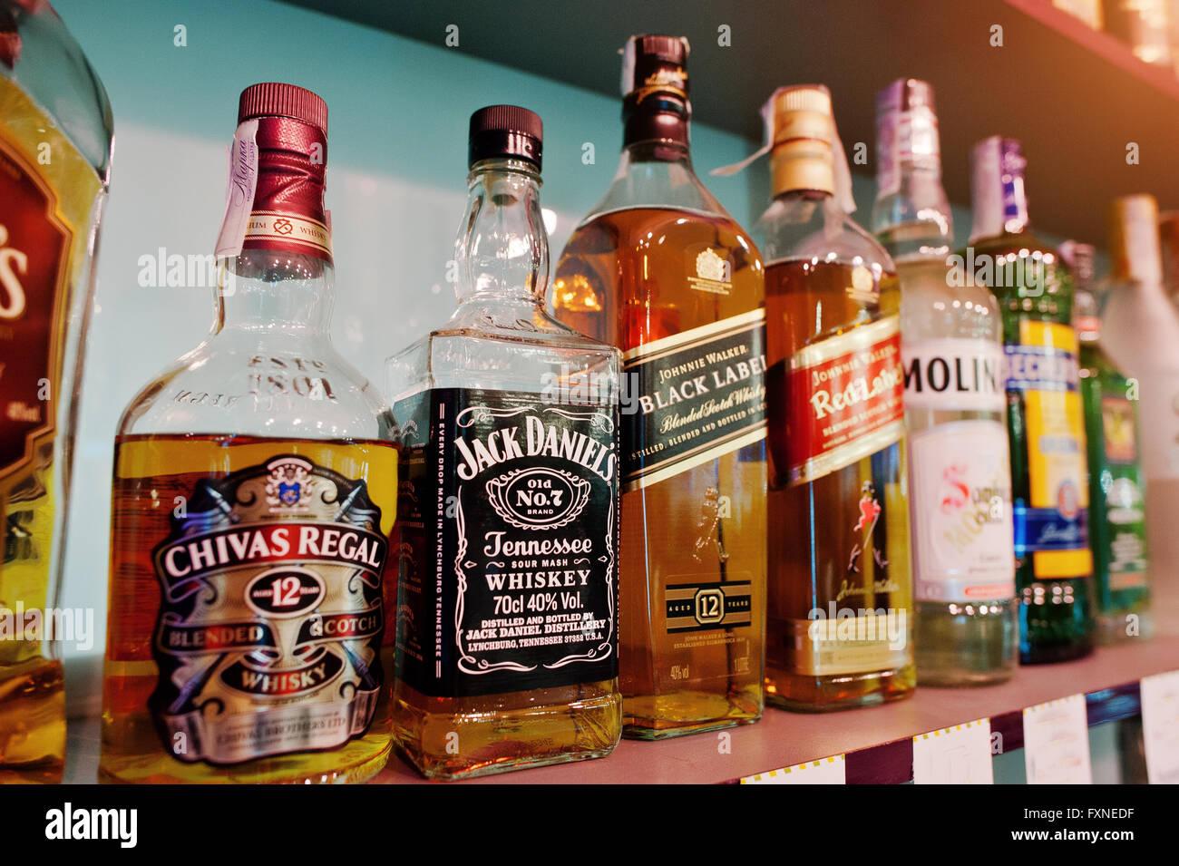 Retro Kühlschrank Jack Daniels : Retro kühlschrank smeg schwarz wendy parker
