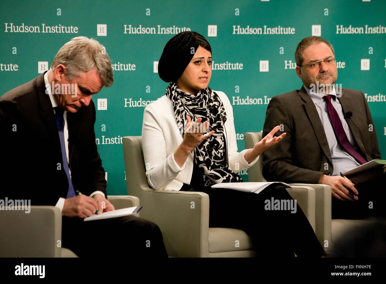 Jomana Qaddour, Policy Analyst bei uns the Commission on International Religious Freedom - 29. März 2016, Washington, Stockbild