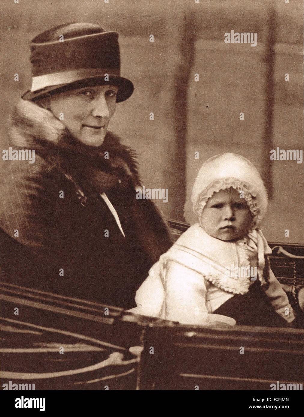 Prinzessin Elizabeth, die Zukunft Königin Elizabeth II als ein Baby im Jahre 1927 Stockbild