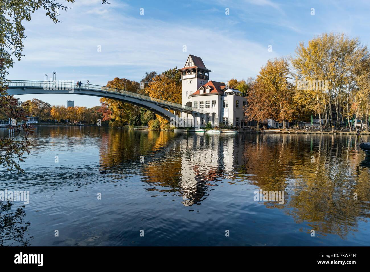Insel der Jugend, Herbst, Insel der Jugend, Treptow, Spree, Berlin Stockbild