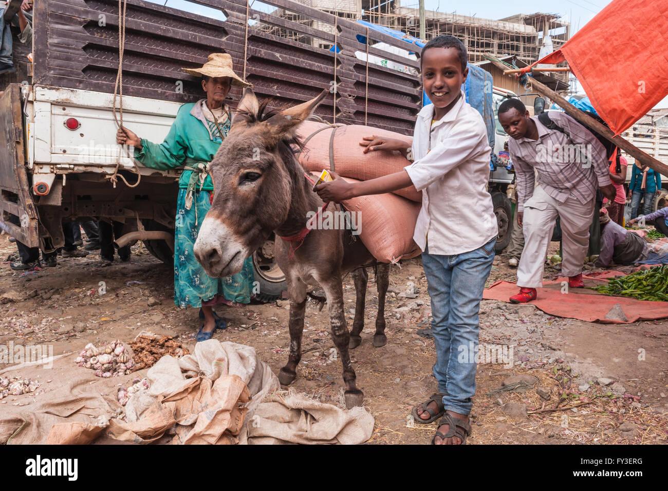 Markt Straßenszene, Mercato von Addis Abeba, Äthiopien Stockbild