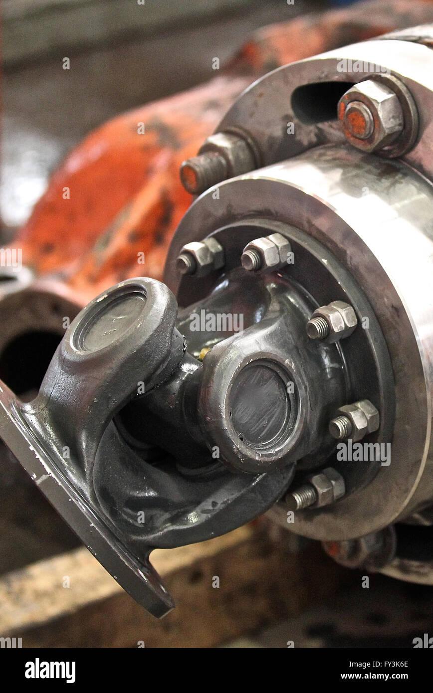 Montage der Raddrehung Getriebewelle übertragen Stockbild
