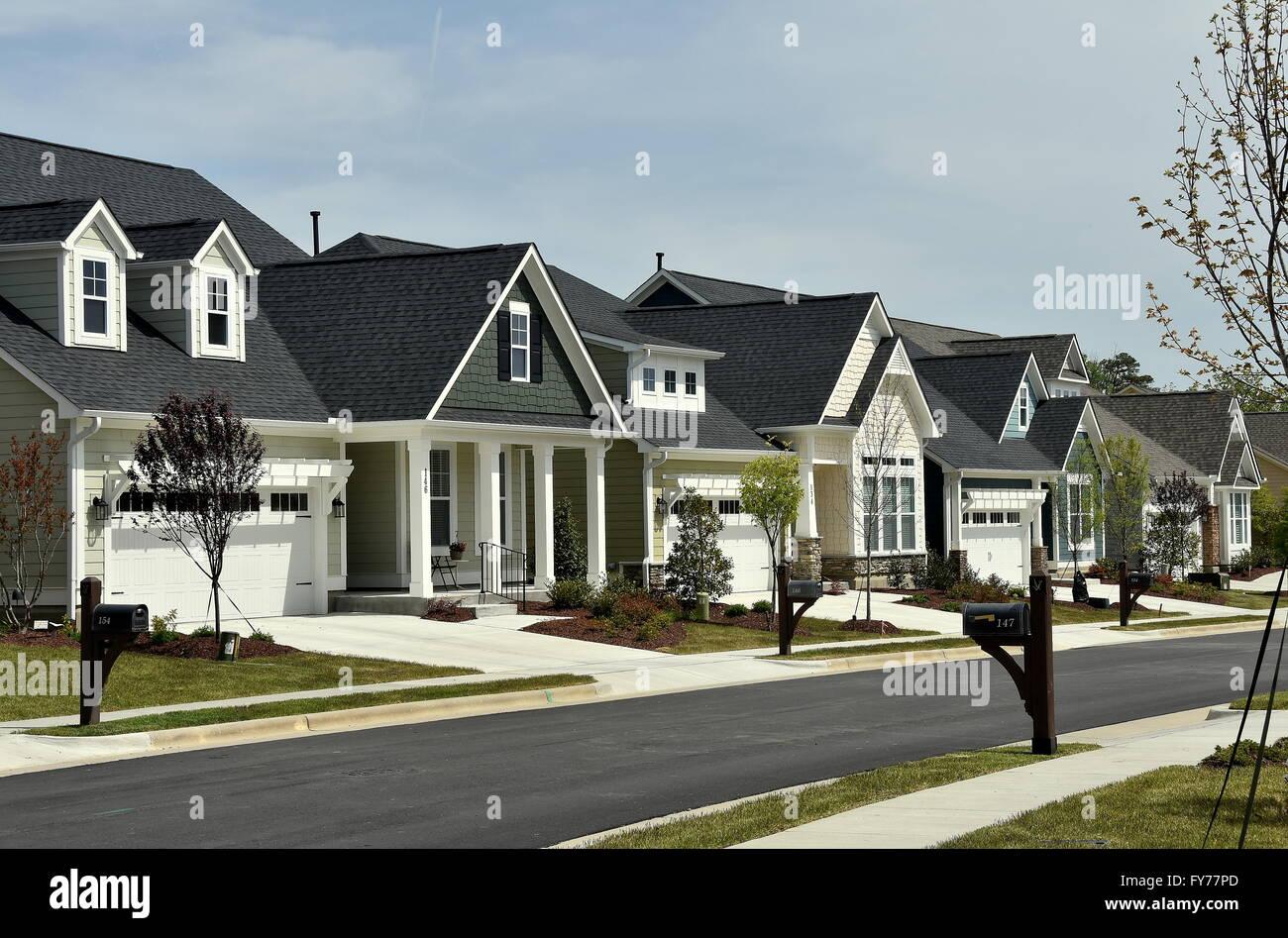 Chapel Hill, North Carolina: zeitgenössische Häuser Linie Neubau ...