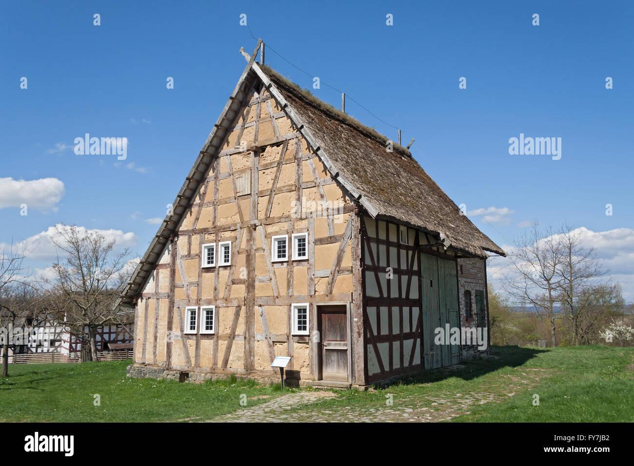Alte halbe Fachwerkhaus in das Freilichtmuseum Hessenpark Stockbild