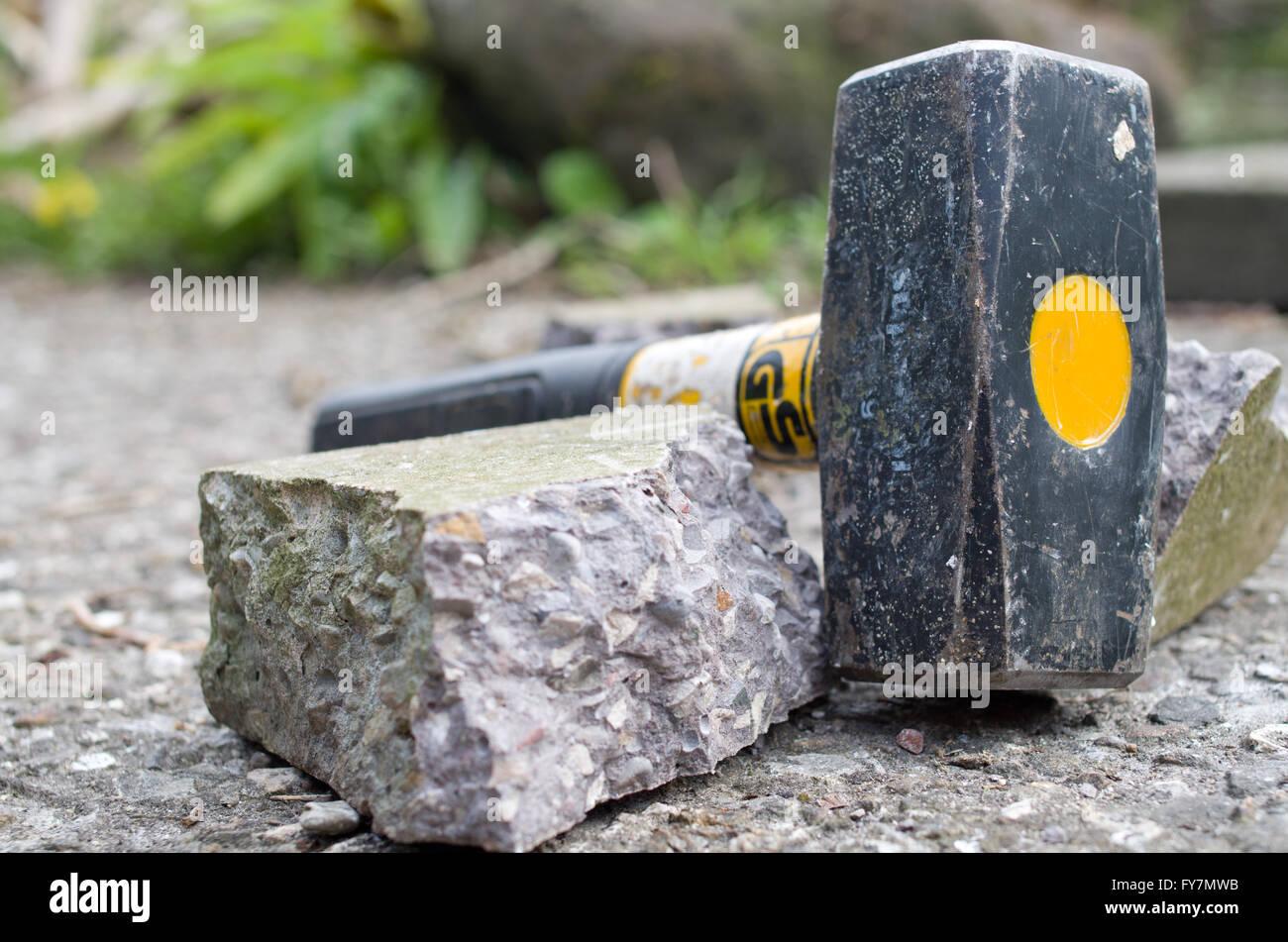 Lump Hammer verwendet, um Beton zu brechen Stockbild