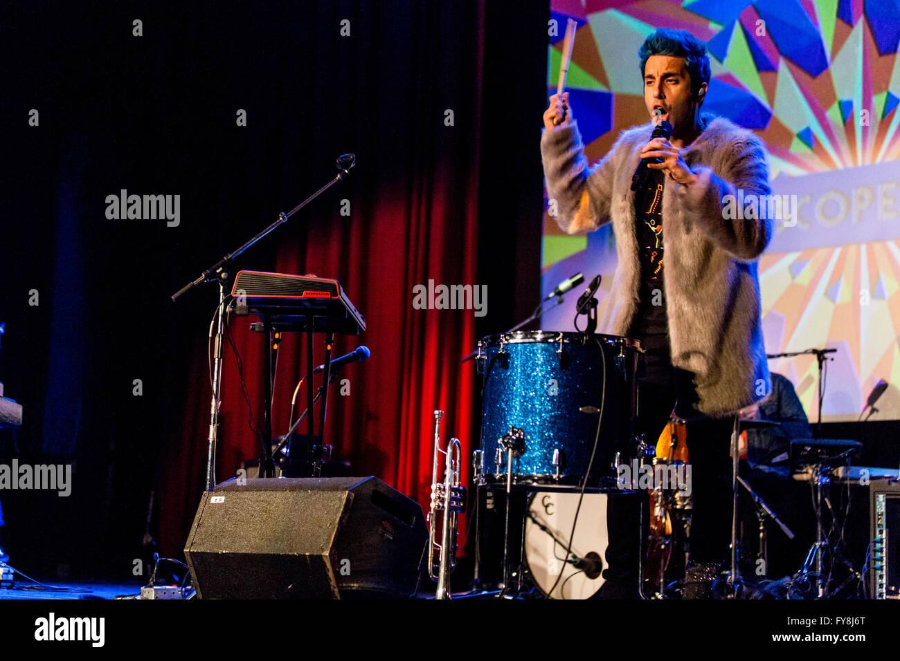 """Tschad-König, der eine große Welt @ Teatro """"Rio"""" in Vancouver, BC am 24. März 2016 Stockfoto"""