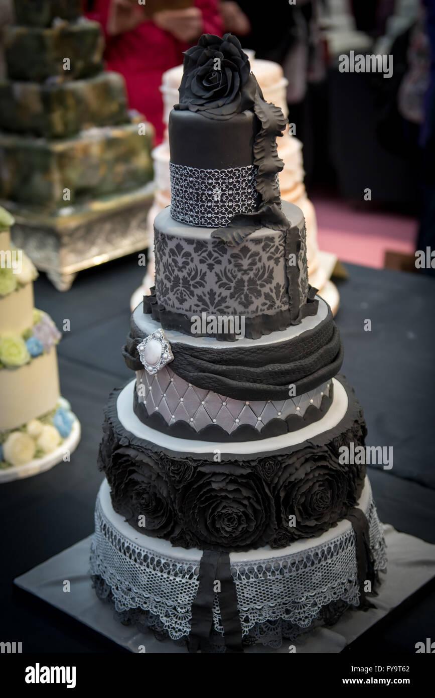 Dekorative Schwarze Und Graue Goth Hochzeitstorte Kuchen