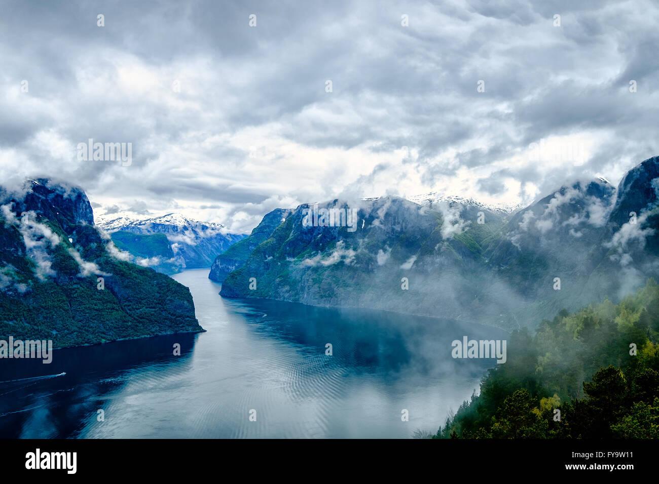 Wunderschöne Natur Norwegen Naturlandschaft. Hardanger Fjorden, Norwegen Stockbild
