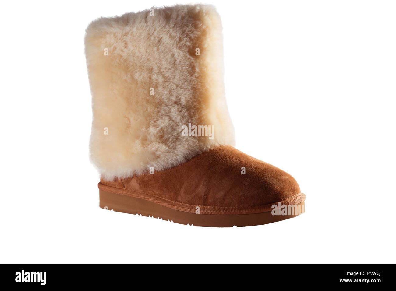 Womens Schaffell Stiefel isolierten auf weißen Hintergrund Stockfoto ... 77db34035e
