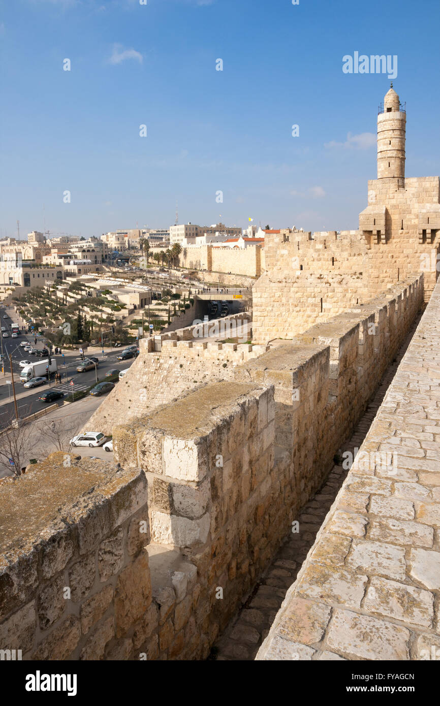 Blick von der alten Stadtmauer von Jerusalem. Stockbild