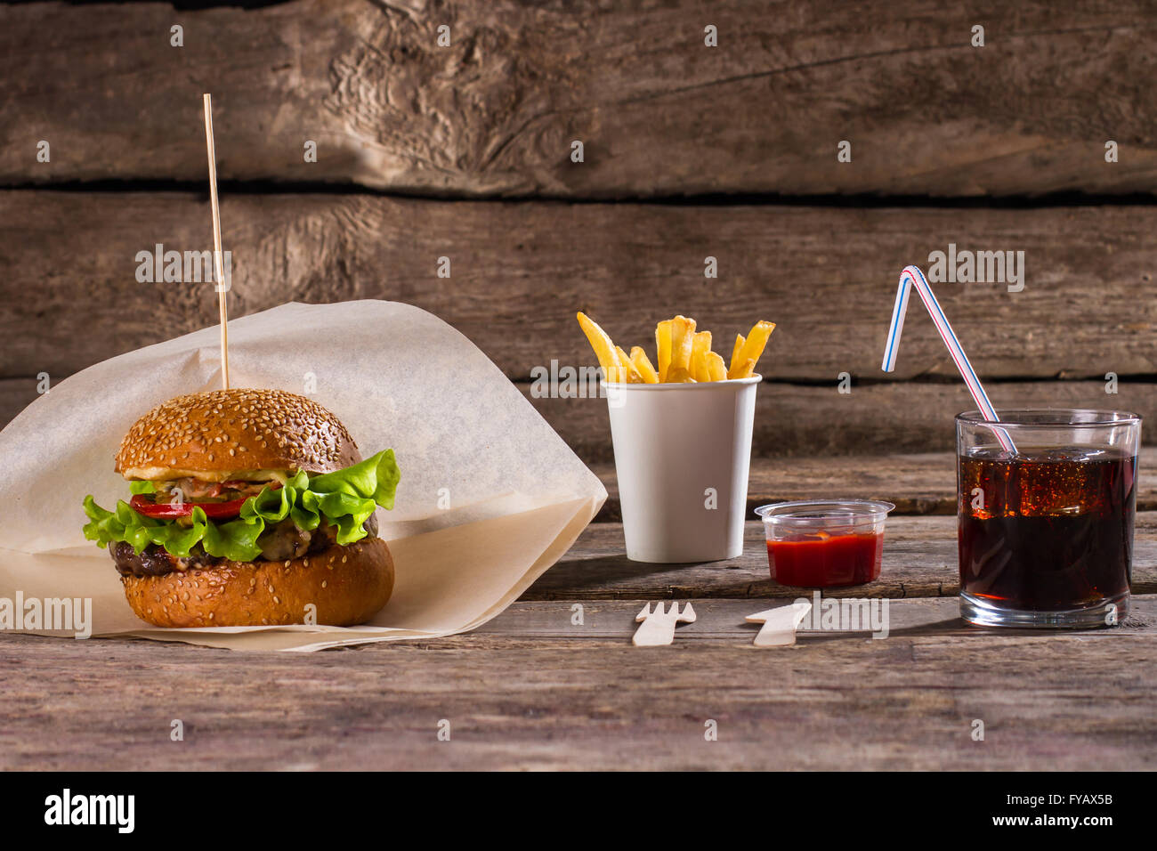 burger and fries and cola stockfotos burger and fries. Black Bedroom Furniture Sets. Home Design Ideas