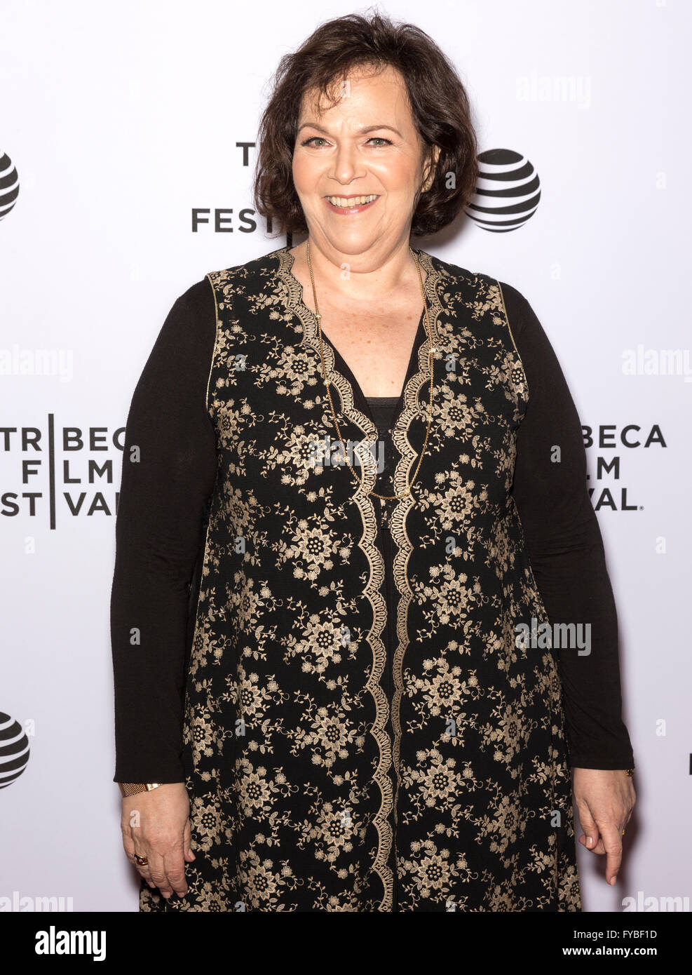 New York City, USA. 24. April 2016. Susan Varon besucht die fast Paris Premiere während der 2016 Tribeca Film Stockbild