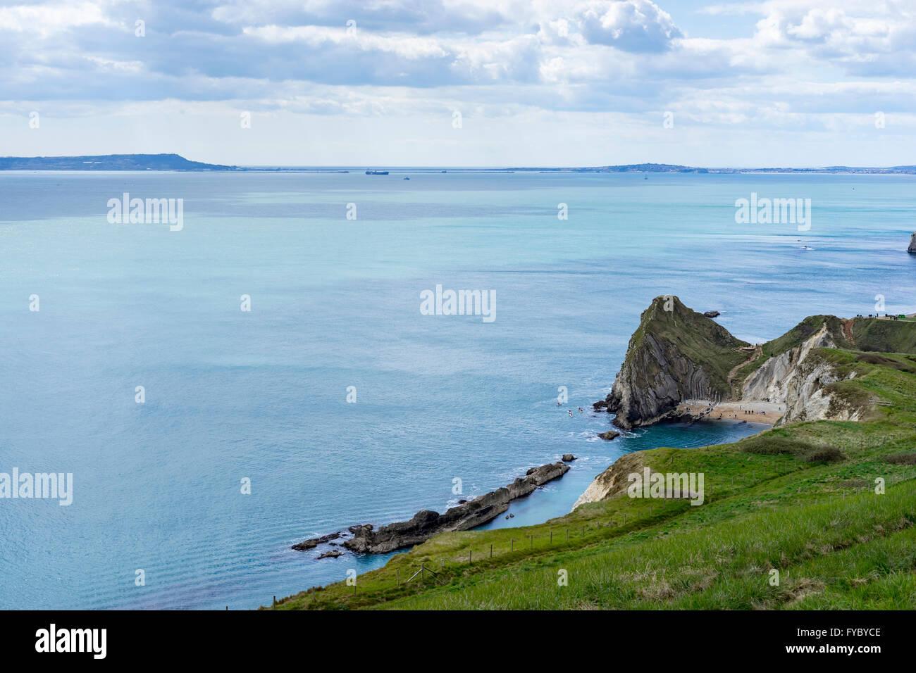 Blick aus Meer von oben Mann O'War Strand in St. Oswald Bucht, an der Dorset Küste, UK Stockfoto