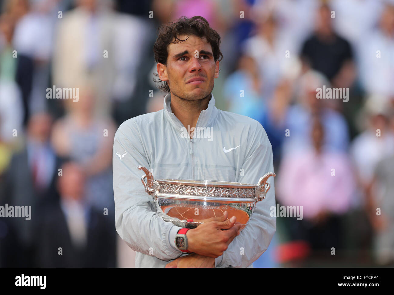 Rafael Nadal, ESP, reagieren emotional während der Preisverleihung, 2014, French Open, Roland Garros, Paris, Stockbild