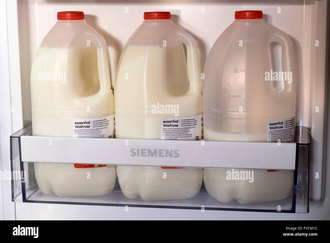 Siemens Kühlschrank : Siemens kühlschrank stockfotos siemens kühlschrank bilder alamy