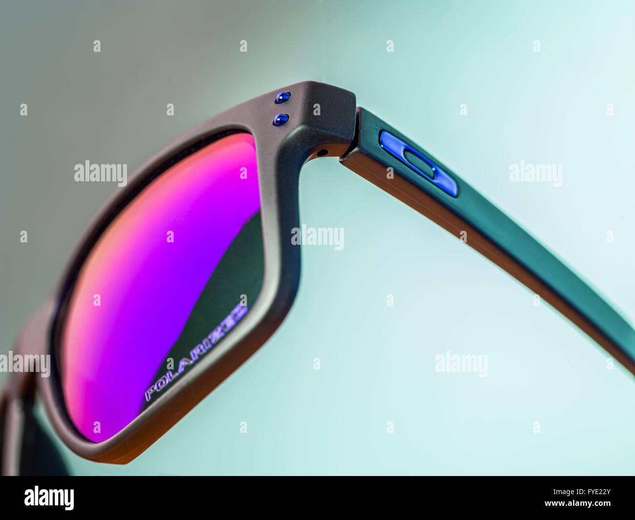 Nett Oakley Quadrat Draht 3 0 Ideen - Elektrische Schaltplan-Ideen ...