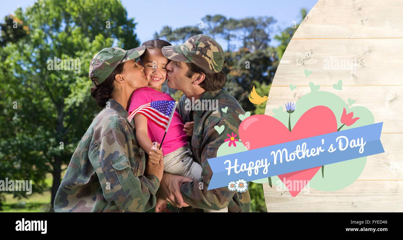 Zusammengesetztes Bild der Armee paar küssen Tochter Stockbild