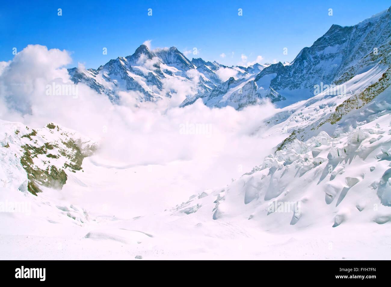 Landschaft der Nebel am Jungfraujoch, Teil der Schweizer Alpen Alpen und Ski Weg bei Interlaken Schweiz. Stockbild