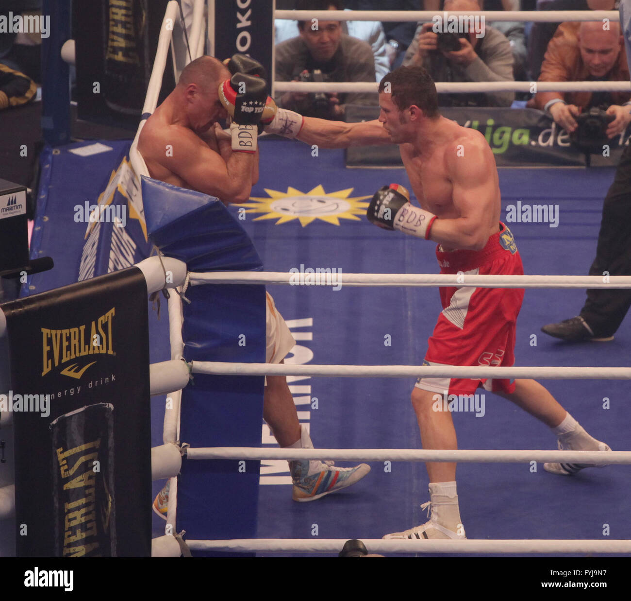Robert Stieglitz Gegen Arthur Abraham Stockfoto Bild 103050339 Alamy