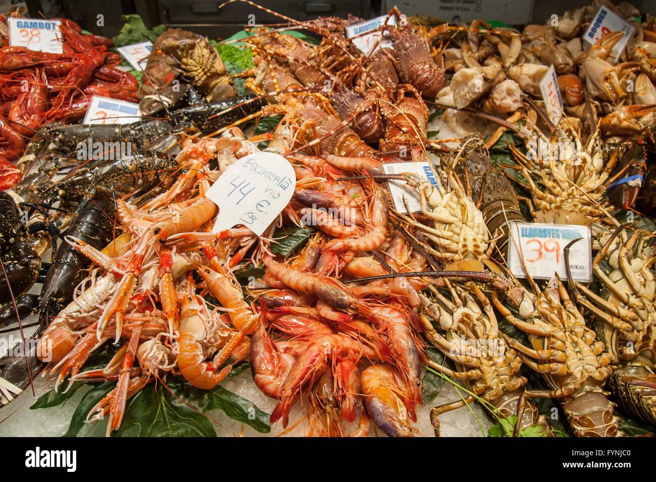 Meeresfrüchte, Fisch, Mercat de Sant Josep befindet sich auf der La Rambla, La Boqueria, Barcelona, Spanien Stockbild