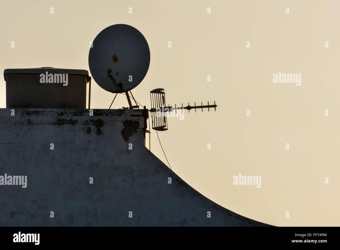 Einige Silhouette Antennen Stockbild
