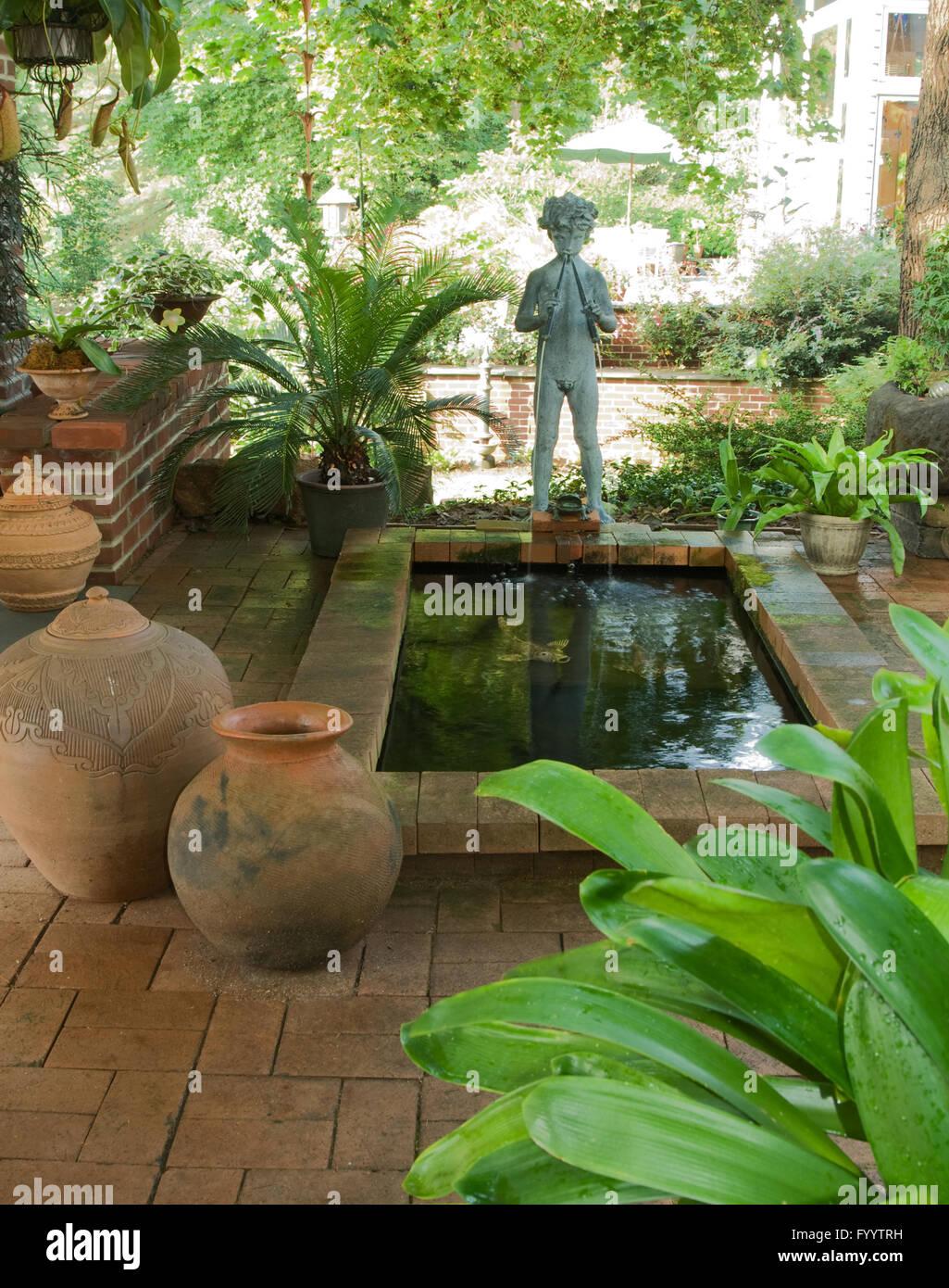 Pan Am Kleinen Wasser Garten Stockfoto Bild 103259733 Alamy