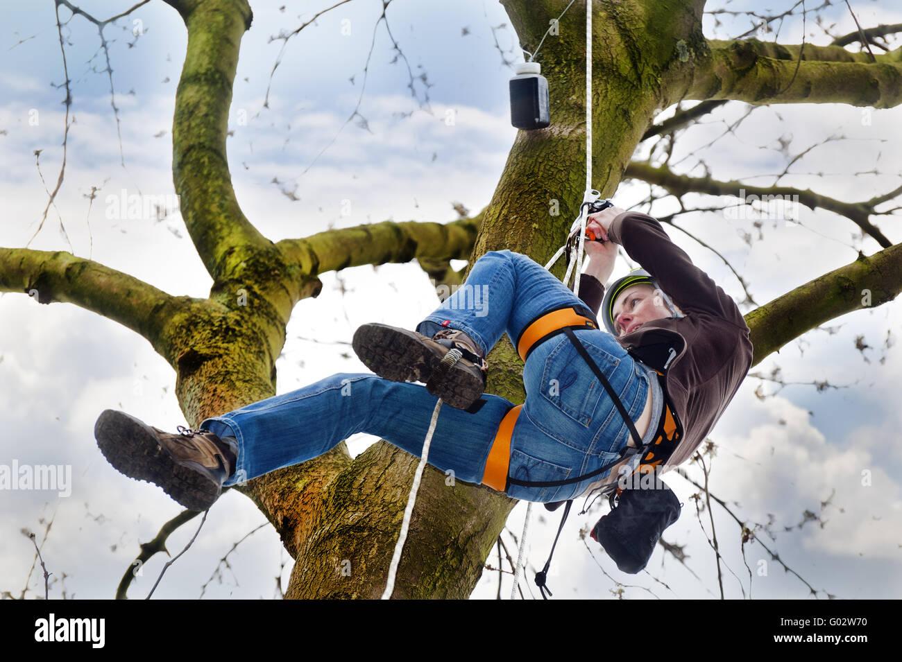 Kletterausrüstung Geocaching : Climbing seat belt stockfotos & bilder alamy