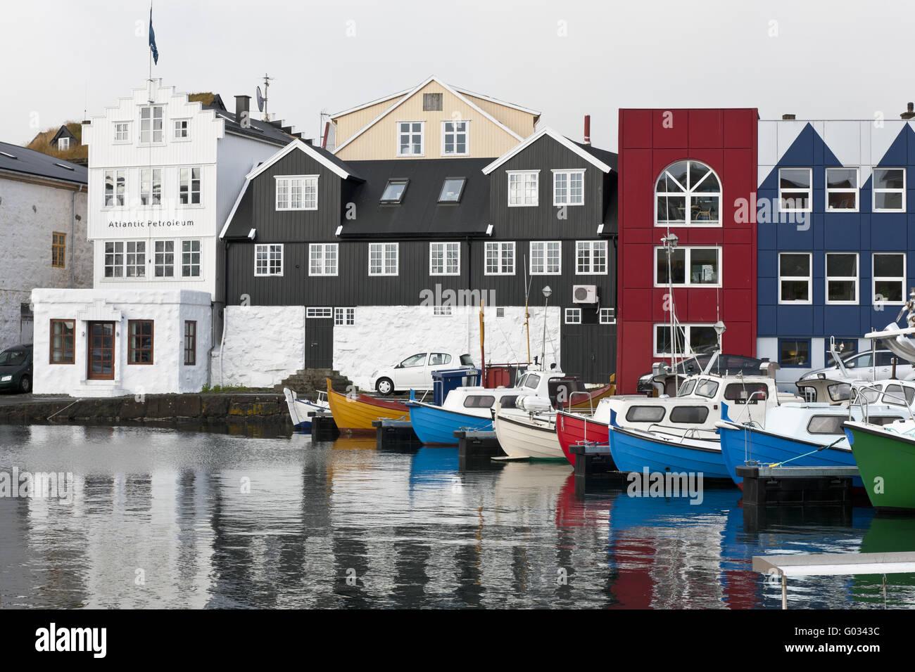 Färöer, Fischerboot im Hafen von Tórshavn Stockfoto