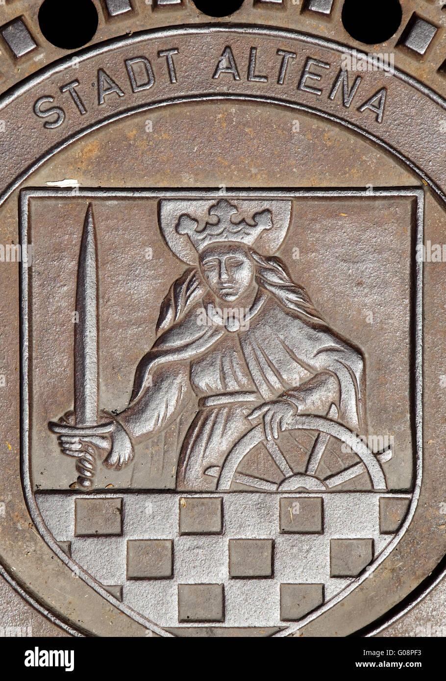 Schachtdeckel mit Wappen von Altena Stockbild