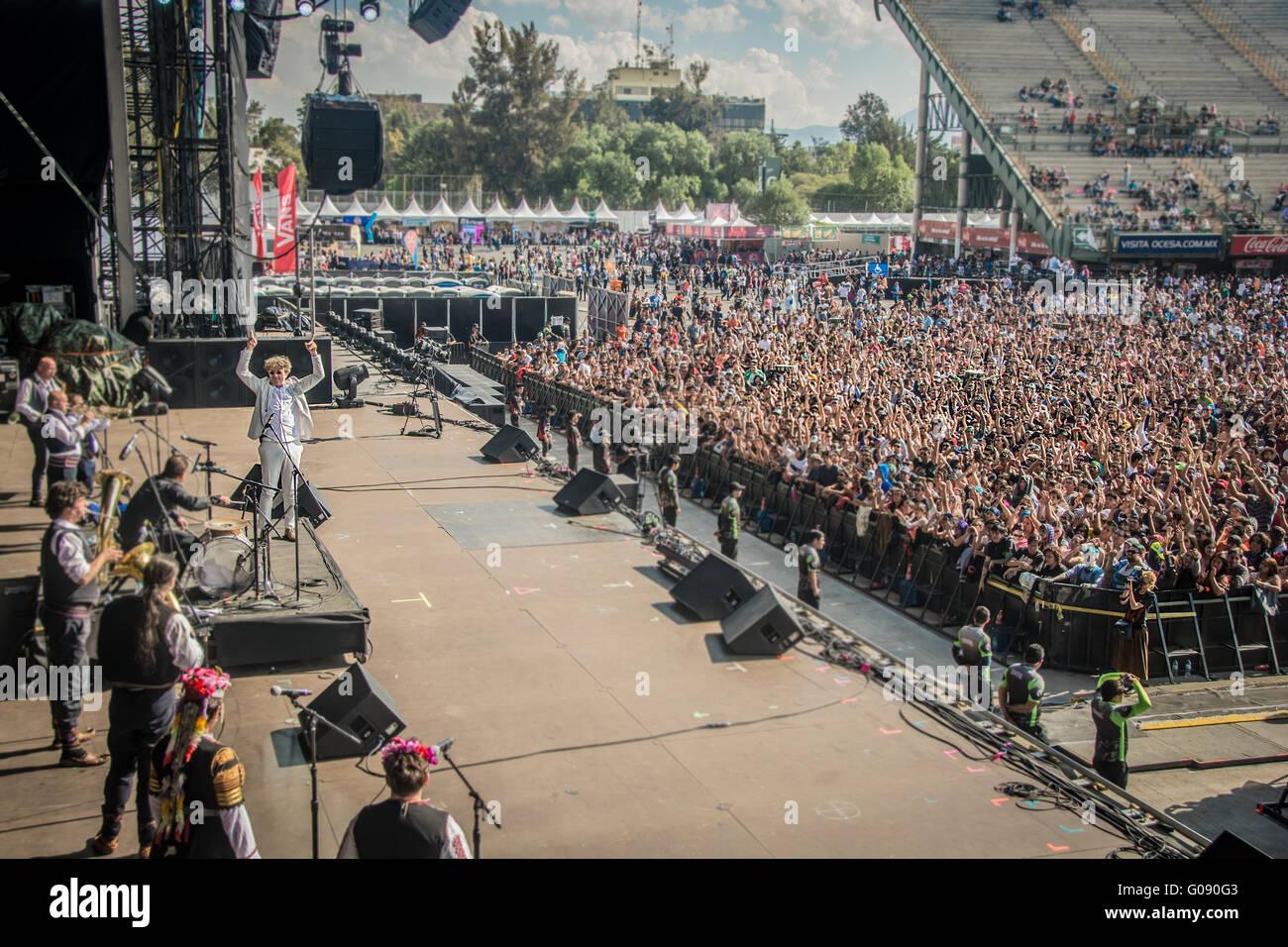 Backstage von Goran Bregovic auf dem Festival vive Latino 2016, Goran Bregovic nach seiner Präsentation in Stockbild
