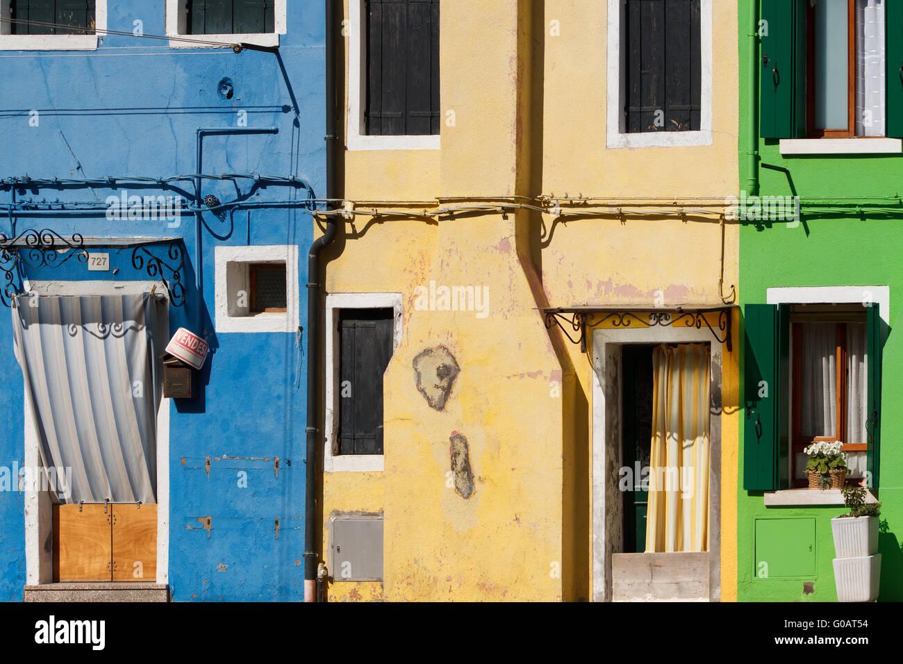 Häuserzeile in Burano. Italien Stockbild