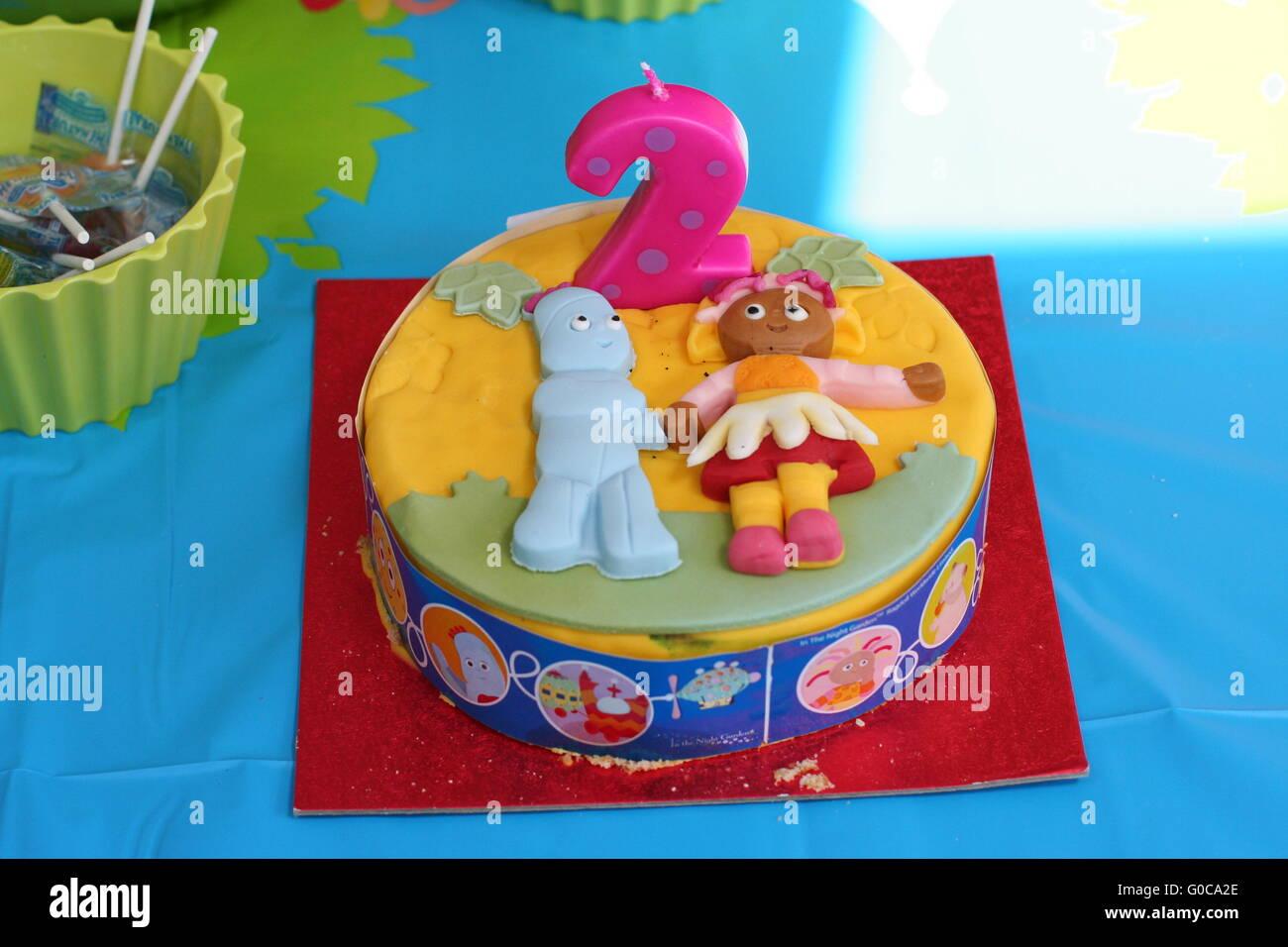 In Der Nacht Garten Geburtstag Kuchen Fur Ein Kind Der 2 Geburtstag