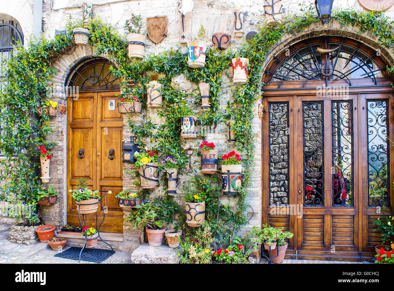 Blumenschmuck in Assisi, Italien Stockfoto